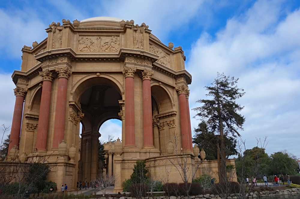 Palace of Fine Arts White Wolf Tours
